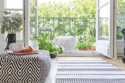Pros And Cons On Having Rugs At Home
